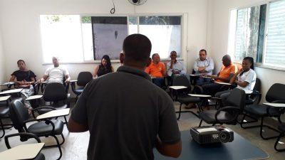 """Palestra """"Orientações para Revendedores de Gás e Água"""" foi promovida pela Secretaria de Desenvolvimento Econômico (SEDEC) para os comerciantes locais"""
