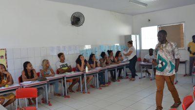 SDHCJ: Jovens que participaram do Curso Básico de Inglês serão certificados no dia 16 de novembro