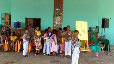 Fruto do Projeto Semeando Leituras, Sarau Literário aproxima comunidade da escola