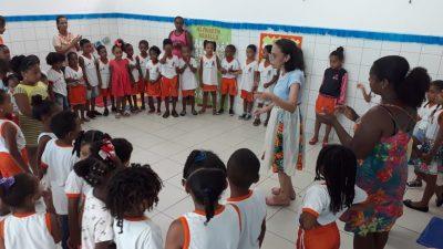 Literatura, música e muita poesia na Escola Municipal Julieta Ribeiro Porciúncula