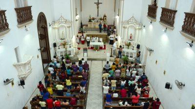 Fiéis participam da abertura dos Festejos em homenagem a São Gonçalo
