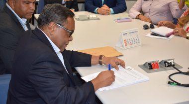 Prefeitura assinou convênios com a Caixa Econômica Federal para Centro de Especialidades Odontológicas (CEO) e pavimentação de ruas