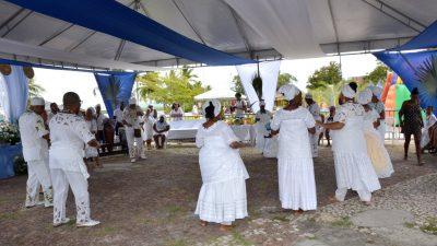 Festa em homenagem a Iemanjá reuniu populares, simpatizantes e adeptos do Candomblé