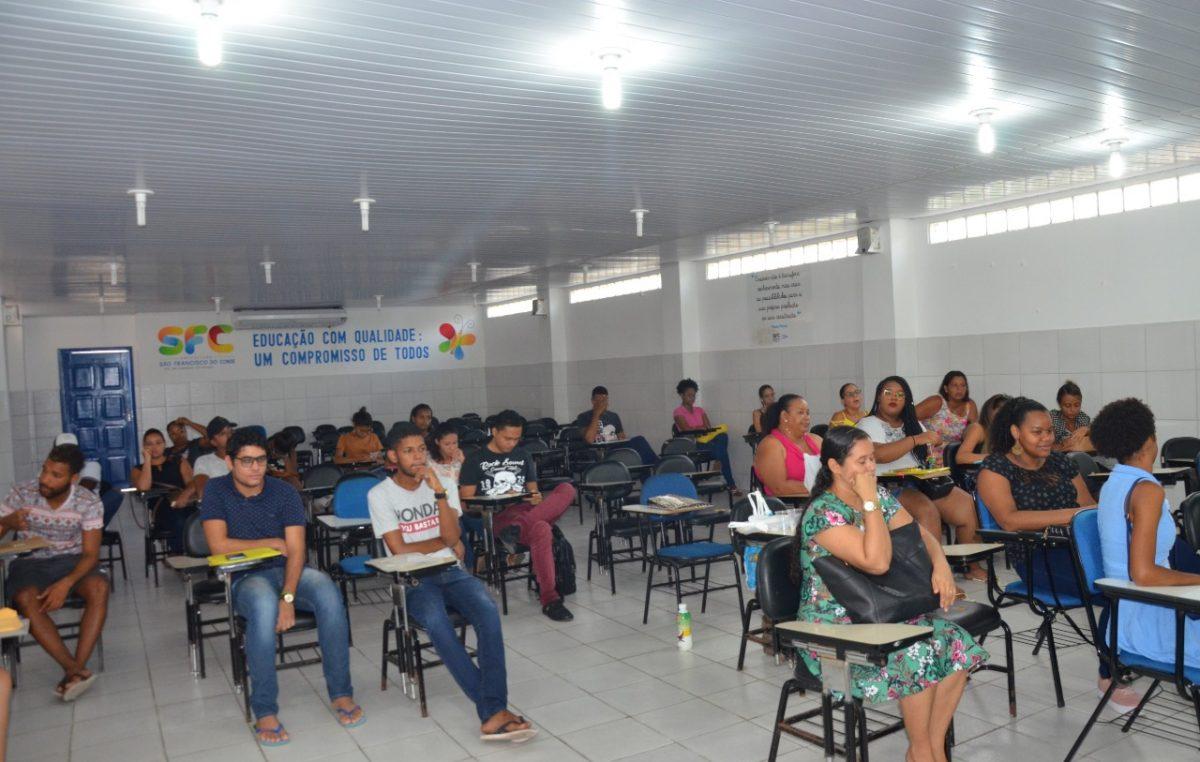 Primeiro dia de inscrições no Processo Seletivo do PROUNIFAS atrai dezenas de universitários