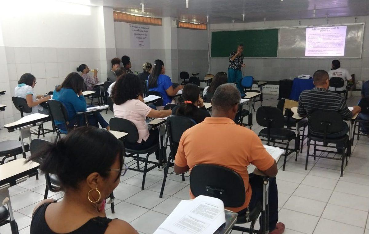 A secretaria Municipal de Gestão Administrativa – SEGAD, através da Escola de Governo, deu início nesta quarta-feira (08) ao Curso de Extensão #QUALIFICASERVIDOR.
