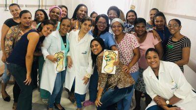 Capacitação sobre triagem neonatal e coleta do teste do pezinho para recém-nascidos foi realizada com profissionais do HDACAL