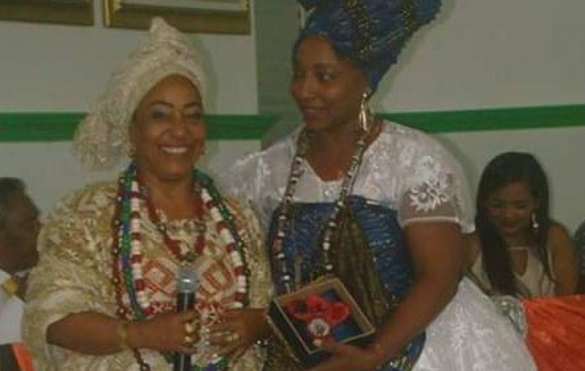 Personalidades que contribuem para o fortalecimento das mulheres da cultura das religiões de matriz africana em São Francisco do Conde foram homenageadas no II Encontro do Povo de Santo, em Muritiba