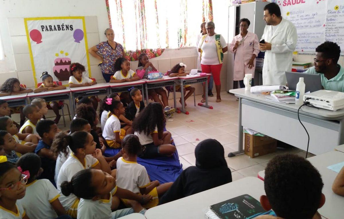 Saúde promoveu atividades sobre Hanseníase, Esquistossomose, Alimentação Saudável e ações em parceria com o CRAS