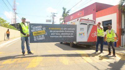 SESCOP: Agentes de trânsito realizam ação educativa e de conscientização nas vias da cidade