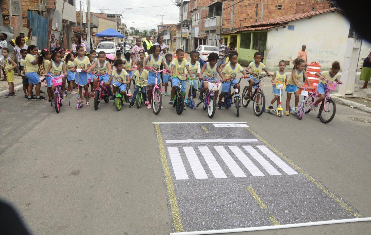 Semana Nacional de Trânsito é encerrada com trabalhos educativos para crianças em escola do município