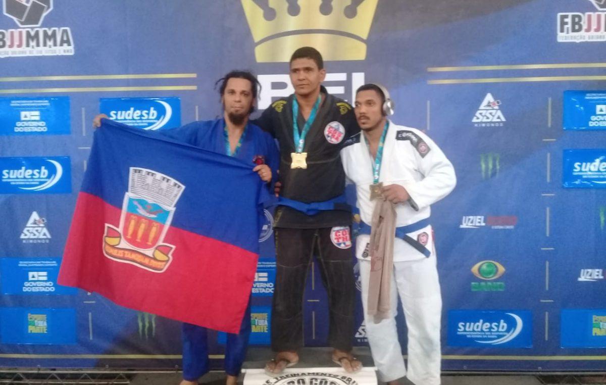 """Atletas do Jiu Jitsu trouxeram 05 medalhas para casa durante """"Rei do Tatame"""""""
