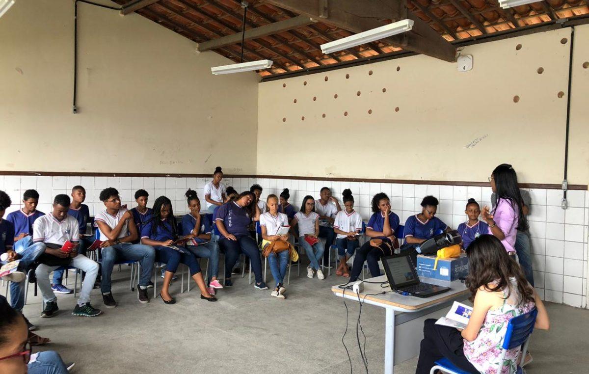 Vigilância Sanitária e Ambiental orientou alunos do Colégio Estadual Martinho Sales Brasil sobre suas atuações em defesa da saúde