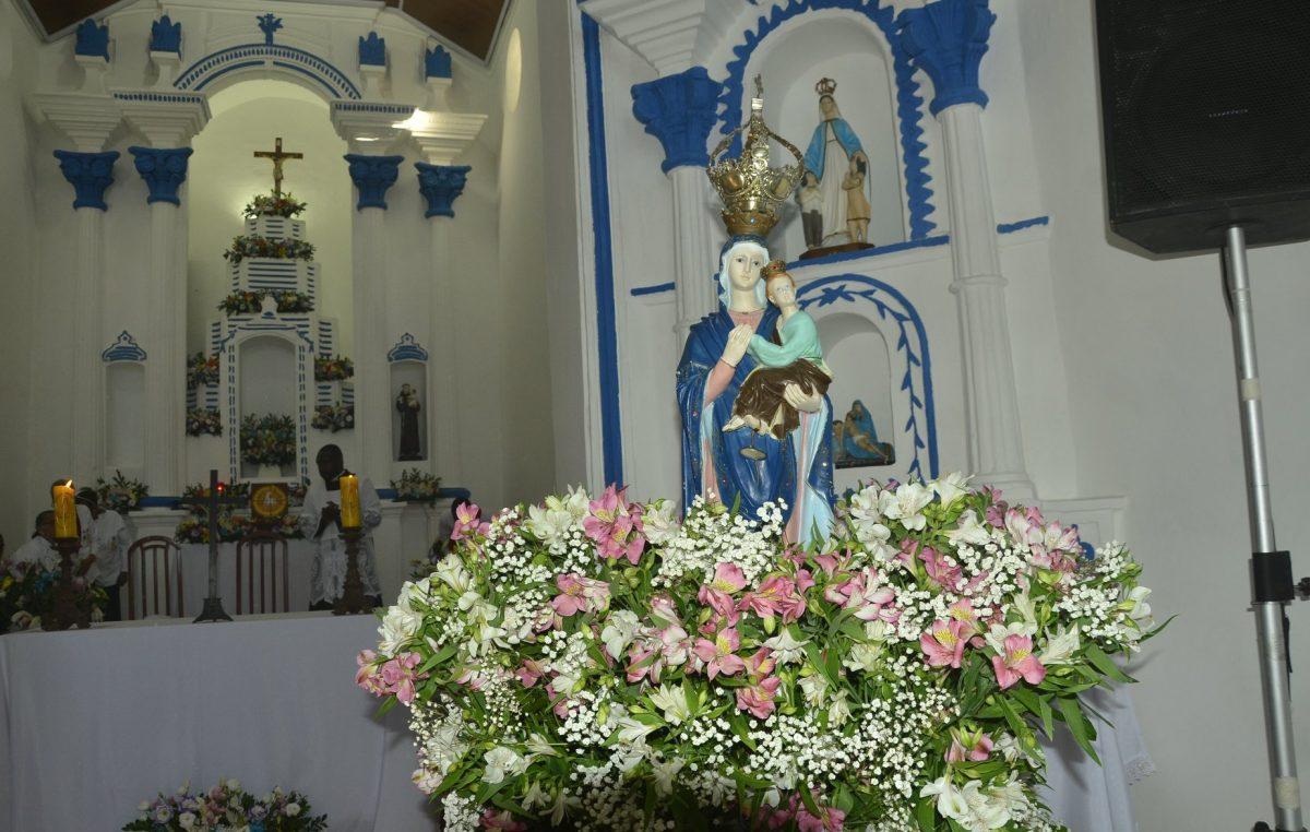Novenário, missa e procissão marcaram as homenagens a Nossa Senhora do Amparo, em Paramirim