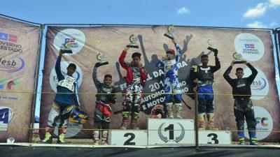 Velocidade na Terra: O público foi ao delírio com as lendas do Motocross nacional