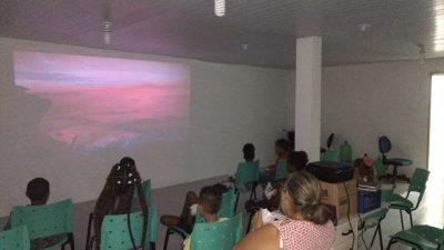 """SESAU, através do Núcleo Integrado de Cuidados à Saúde da Criança e à Pessoa com Doença Falciforme Rilza Valentim, promoveu o """"Cineminha do Núcleo"""""""