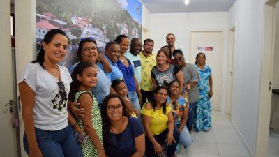 Prefeito, vice-prefeito, vereadores e secretária da Saúde participaram do Dia D de vacinação contra o Sarampo