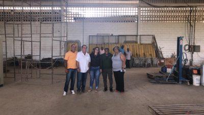 Prefeito Evandro Almeida e comitiva visitam canteiro de obras da Biflex