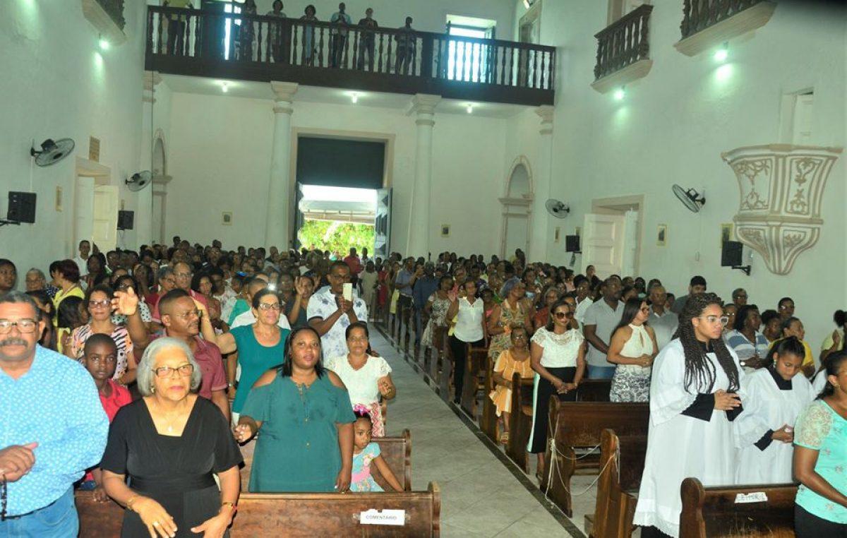 Homenagens a São Gonçalo reuniu dezenas de fiéis