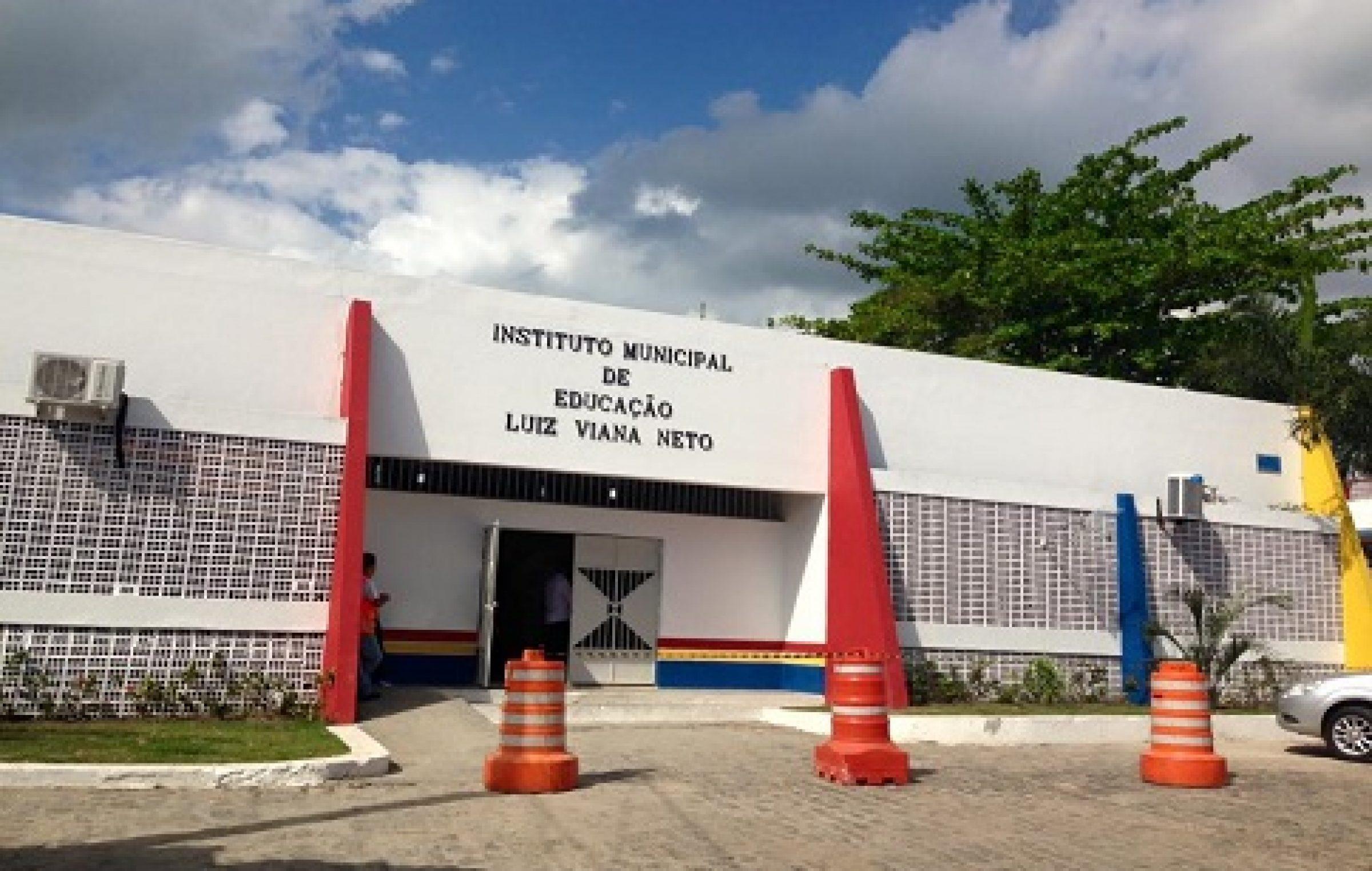 Instituto Municipal Luiz Viana Neto utiliza o Facebook como canal de comunicação com seus alunos