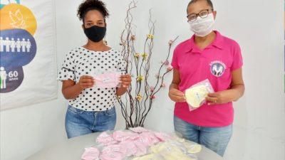 Máscaras caseiras são doadas para mulheres vítimas de câncer de mama no município
