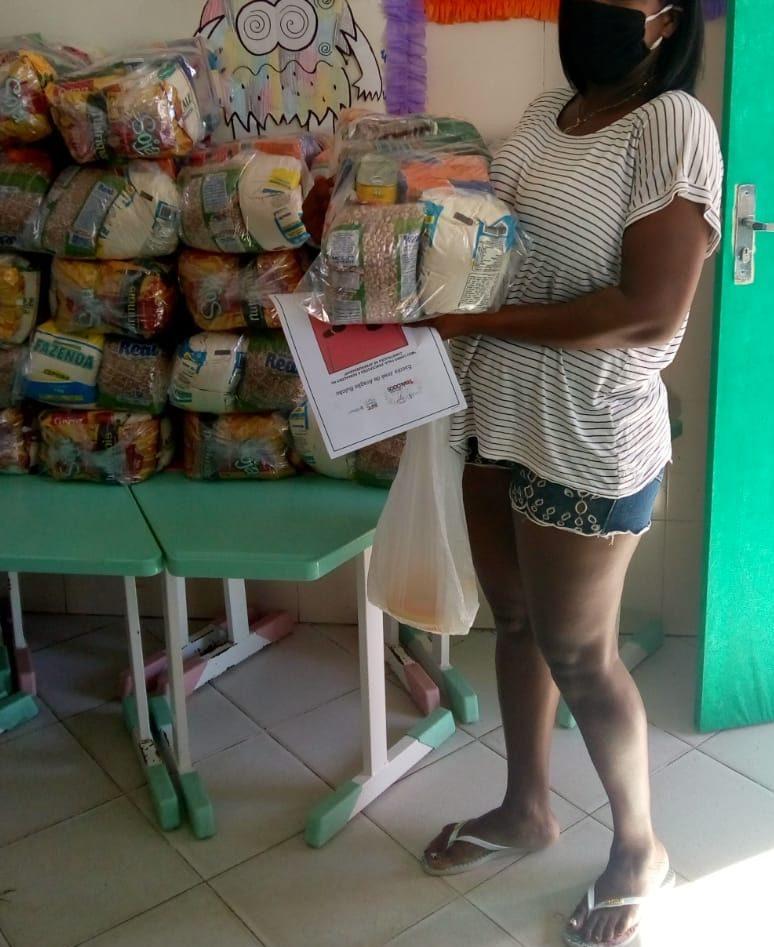 Primeiro dia de entrega dos Kits de Alimentação Escolar