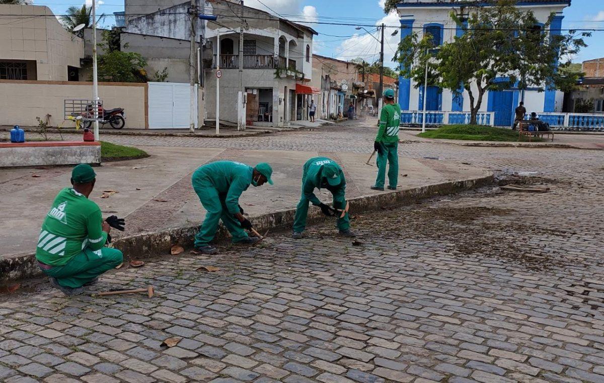 Paramirim e Coroado receberam amplas ações de desinfecção de ruas, testagem e orientações nos estabelecimentos comerciais