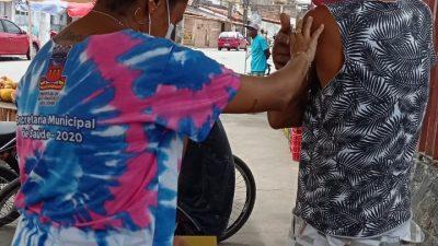 Secretaria da Saúde realizou no sábado (28) intensificação de Vacinação contra o Sarampo, imunizando público-alvo da campanha, de casa em casa