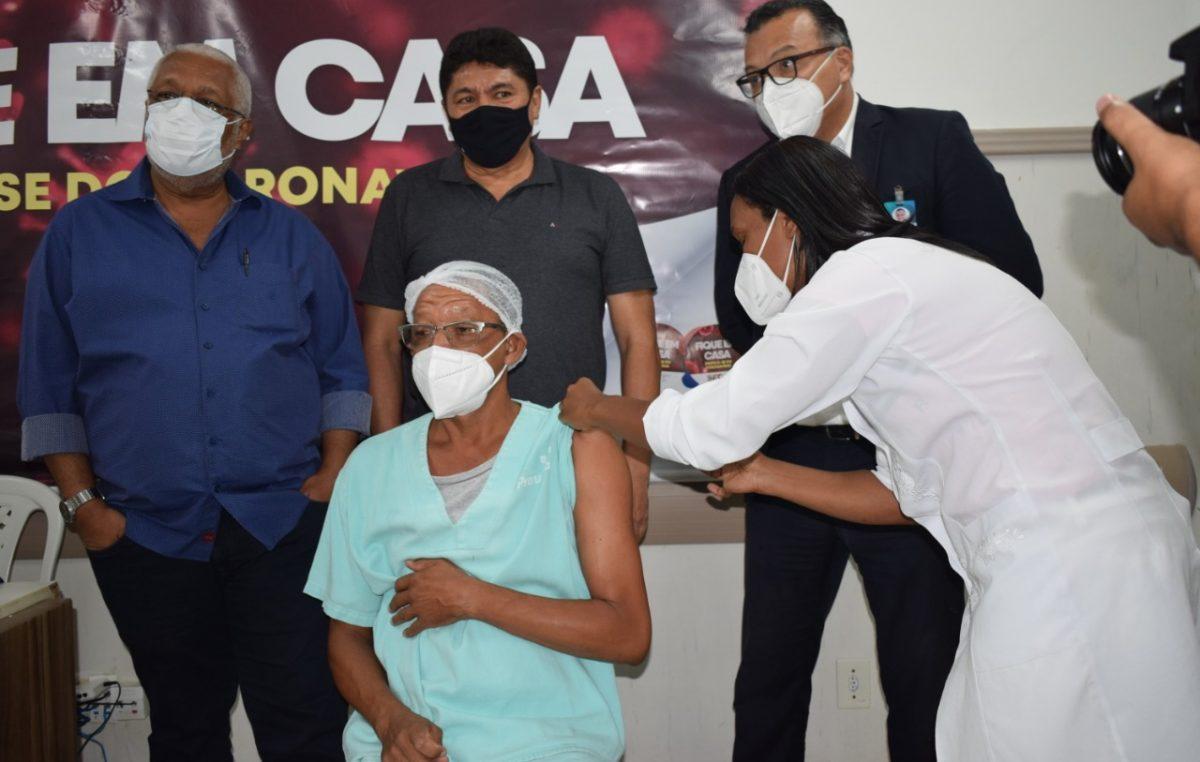 Prefeitura de São Francisco do Conde inicia vacinação contra COVID-19 e explica critérios